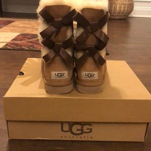 UGG Shoes - UGG Bailey Bow